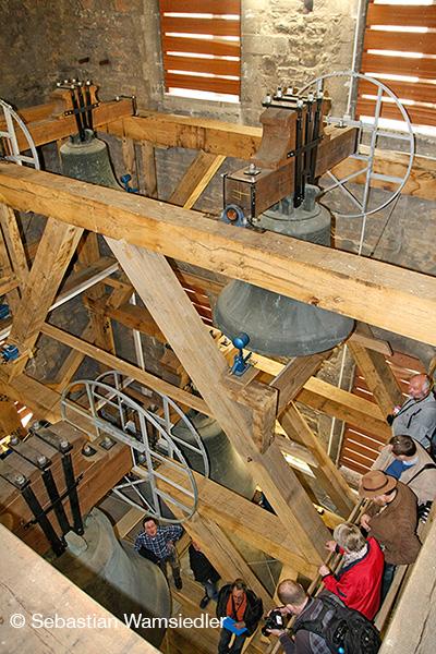 Exkursionsgruppe im Glockenstuhl des Münsteraner Domes