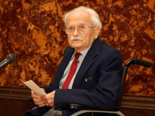 Dr. Pál Patay bei seiner Danksagung für die Jubiläumsfeier (Photo: Prof. Dr. Elek Benkő).